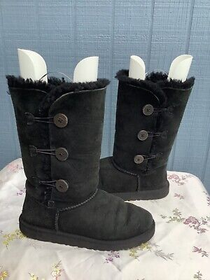 UGG AUSTRALIA 1962 Woman Bailey Triple Button Black Leather Sheepskin Boot SZ 6