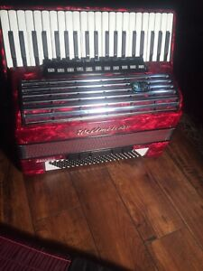 Weltmeister Consona, Red Accordion, 120 Bass