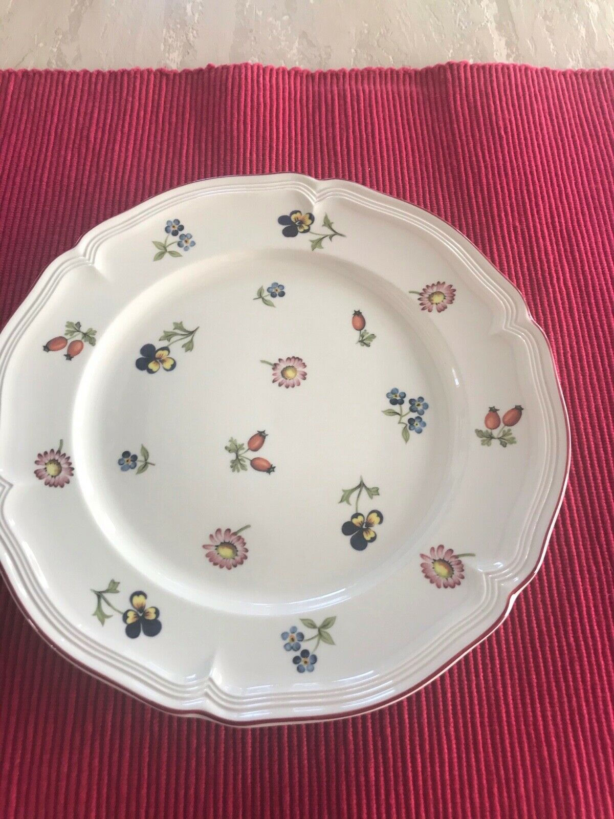 Villeroy Boch Petite Fleur Salad Plate 7 Available. 8 1/4  - $12.50