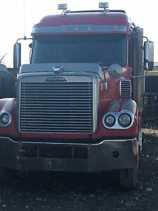 Volvo/Freightliner - heavy specs/with job