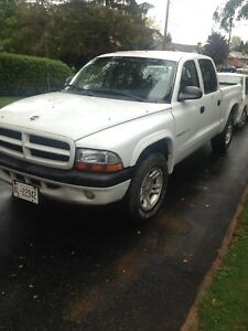 2002 Dodge Dakota Sport V8 4.7L Manual 5 Speed