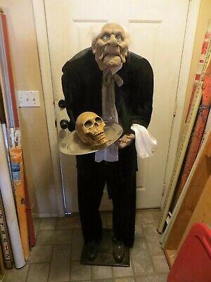 Life Size 5 ft Gemmy Halloween Butler Animated Talking Igor Prop Decoration READ