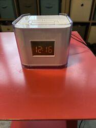 Audiovox Venturer CR8030iE5 Dual Alarm Clock, AM/FM Radio & Dock for iPod/iPhone