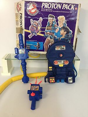 The original 1980's Kenner Ghostbusters Proton Pack and PKE meter RARE