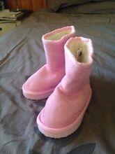 Toddler kids ugg boots Langwarrin Frankston Area Preview