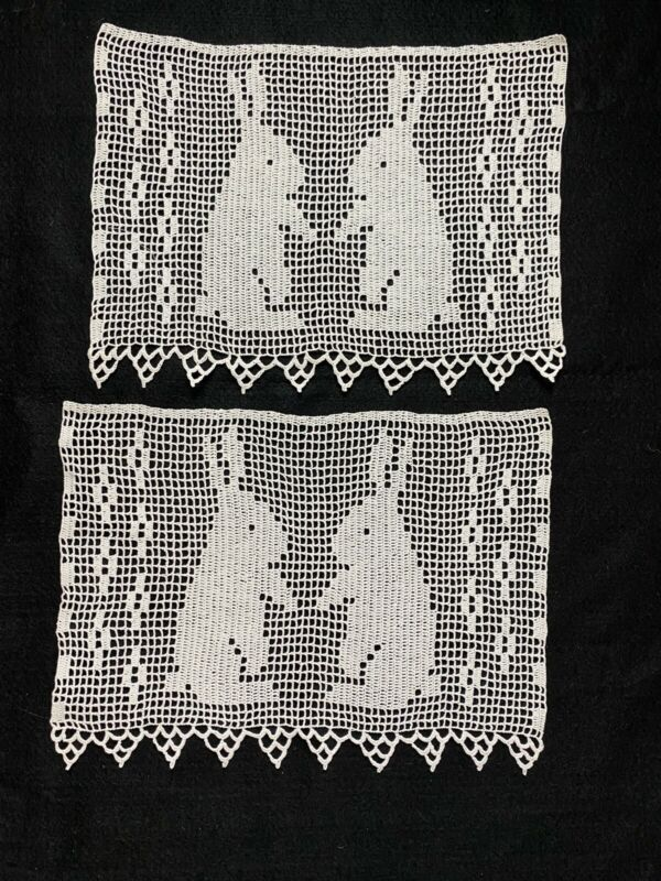 Vintage Crochet Lace Pieces With Rabbit (2)/excellent Condition/never Used