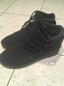 Adidas tubular invader. US 8 Silverwater Auburn Area Preview