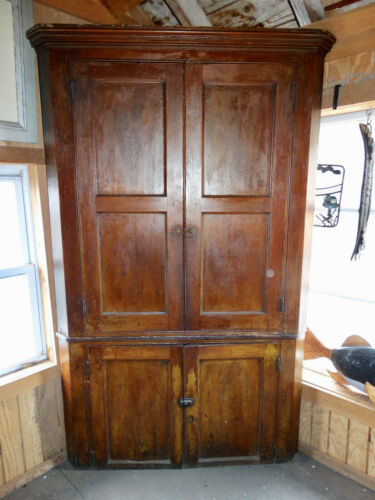 LARGE ORIGINAL ANTIQUE PRIMITIVE CORNER CABINET