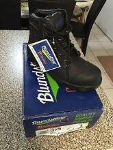 Work boots steel cap boots brand new Daisy Hill Logan Area Preview