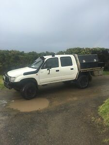 Toyota Dual Cab 4wd Hilux,2000,Manual Diesel Apollo Bay Colac-Otway Area Preview
