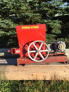 Farm King Number 85 Roller Mill