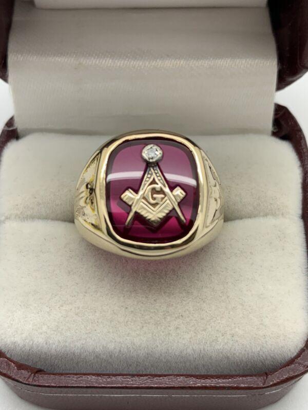 10k Yellow Gold Free Mason Masonic Red Stone & Diamond Signet Style Ring Vintage