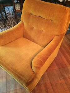 Vintage Gold Chair excellent condition 60.00