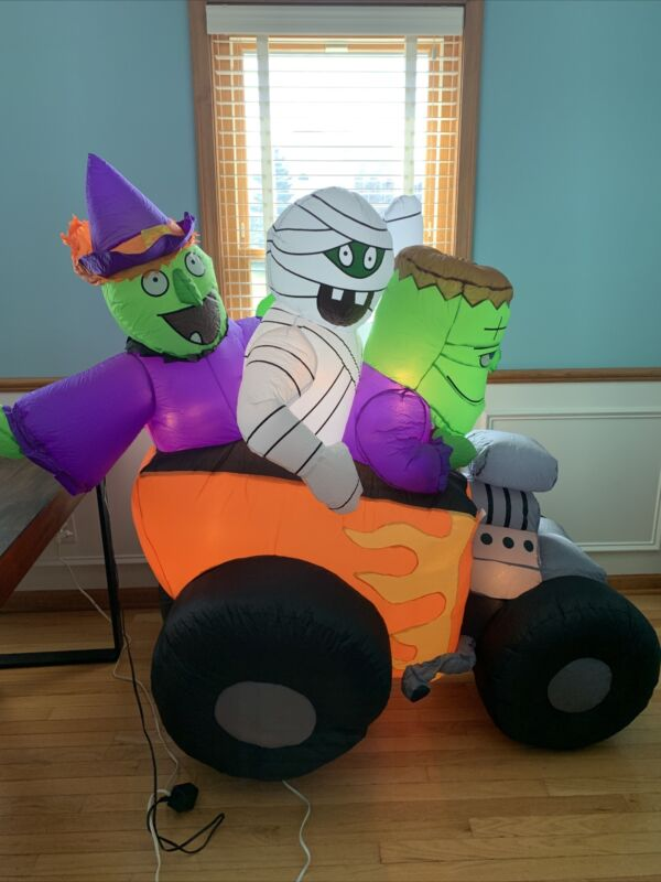 Gemmy 6ft Halloween Airblown Inflatable 3 Ghoul Lighted Race Car 2005 New W Box