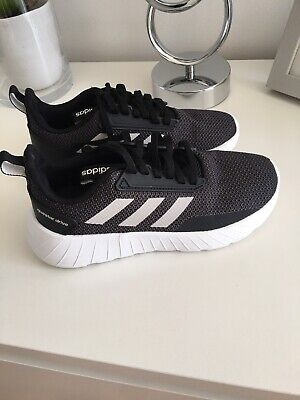 ADIDAS Questar Drive Junior Trainers UK 1 Used-Once