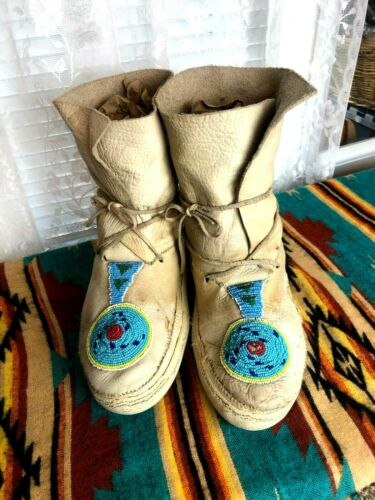 VINTAGE TRIBAL TAN BEADED BUCKSKIN ANKLE LEATHER LACE MOCCASINS BOOTS SIZE 11 M
