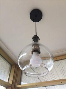 Luminaire suspendu moderne ou contemporain