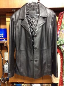 Small leather jacket excellent condition (ladies)