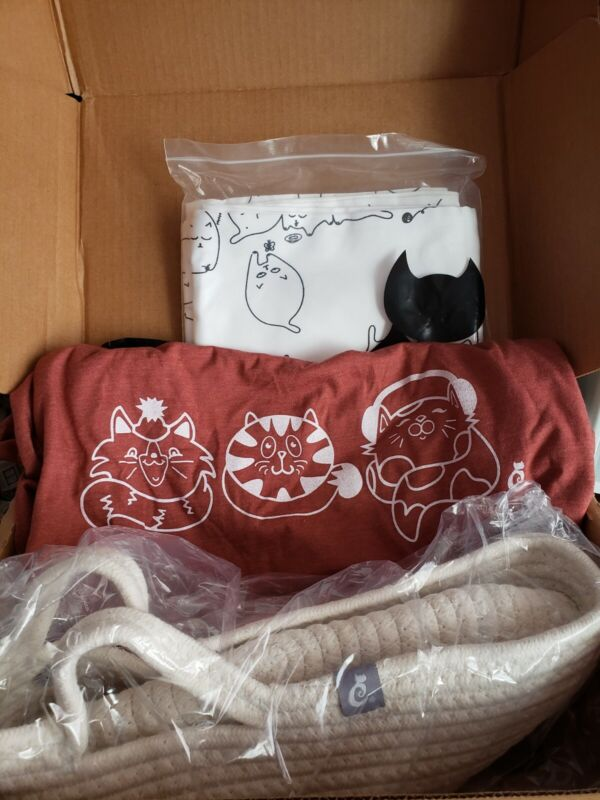 NEW Lot of 3 Sept. Crazy Cat Lady Box Exclusives-T-Shirt Basket & Pillowcases