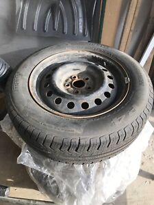 4 Pirelli 195/65/R15 winter tires with rims