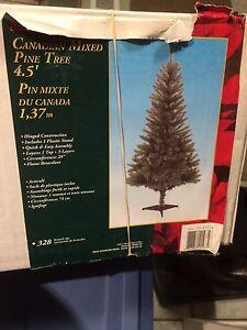 4.5' unlit Christmas tree