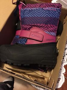Size 12 kids Columbia winter boots