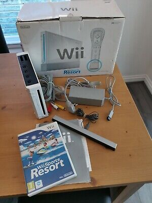 Nintendo Wii Console - White WIth BOX