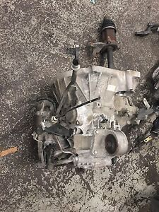 Nissan Altima 2002/2006 transmission 2.5L available