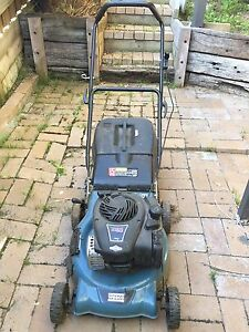 Briggs & Stratton 450 series Lawnmower Upper Ferntree Gully Knox Area Preview