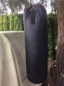 Heavy weight bag w/pair of gloves