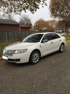 MINT 2010 LINCOLN MKZ AWD - LOW KMS, CERTIFIED & WINTER TIRES!