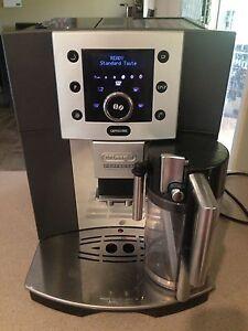 Delonghi perfecta cappuccino automatic coffee machine St Clair Penrith Area Preview