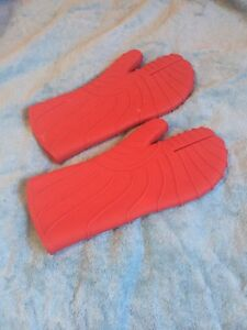 Red Rubber Oven mitts
