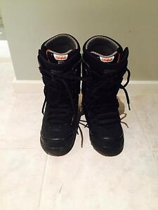 Thirty Two - snowboard boots size US 7.5 $65 Heathridge Joondalup Area Preview