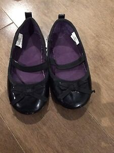 Souliers style ballerines pointure 6