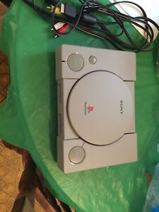 Ps1 Console, great condition, cleaned, super cheap!