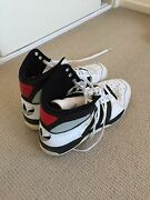 Size 11 Adidas shoes Padstow Bankstown Area Preview