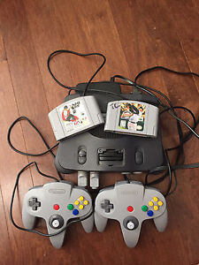 N64 2 controllers 2 games