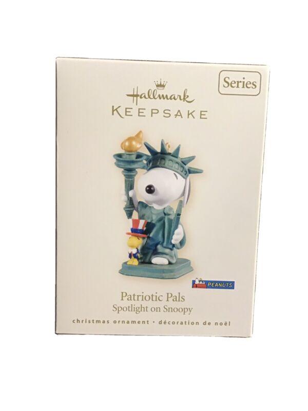 Hallmark 2008 PATRIOTIC PALS 11th in Spotlight on Snoopy Mint in Mint Box