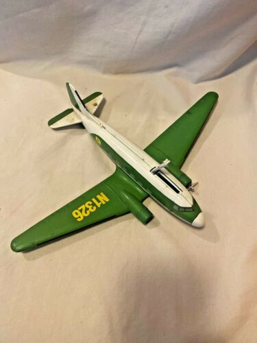 John Deere Vintage Diecast Company Airplane Bank DC-3 Limited Edition