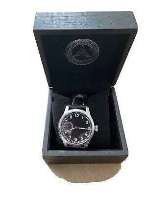 Mercedes Benz Uhr Herren, NEU, Classic Line Handaufzug in Original Holzbox.