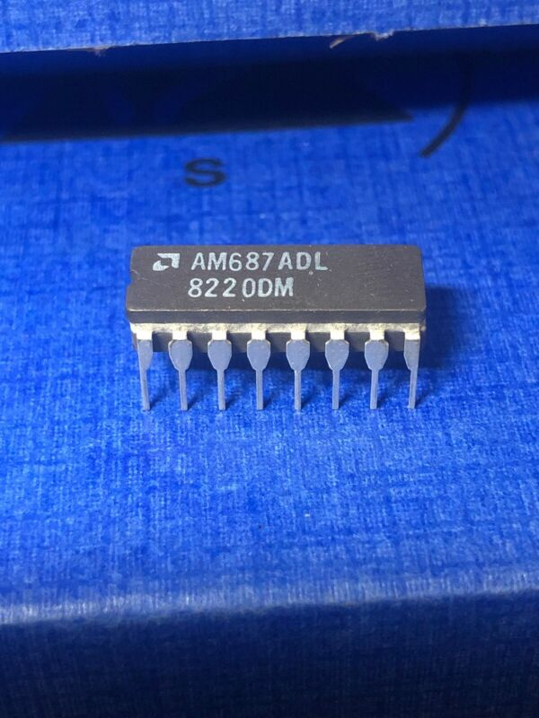 (1 PC)  AMD  AM687DL  Voltage Comparator, Dual, 16 Pin, Ceramic, DIP. USA Seller