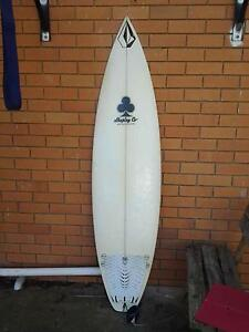 """6""""3' Shaping Co board Lawnton Pine Rivers Area Preview"""