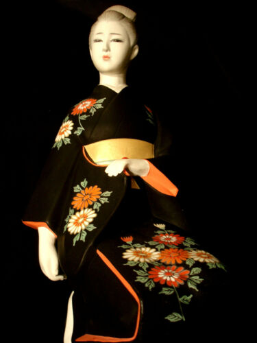 "17"" ARTIST Masahide  JAPANESE SHOWA PERIOD HAKATA DOLL WITH STAND"