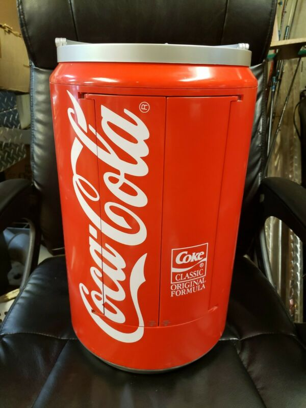 VINTAGE LARGE COCA-COLA SODA CAN ELECTRIC RADIO, CASSETTE, CD PLAYER COLLECTIBLE