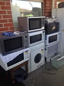 4 x microwave  great working  , can delivery at extra fee. Box Hill North Whitehorse Area Preview