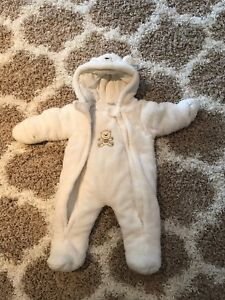 ff2b414d5231 9 months baby snowsuit - never worn