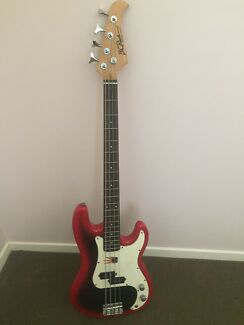 BC Rich Bass Guitar
