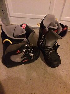 Mens Youth Size Snow Board Boots Burton