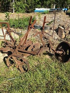 Antique Newell Sanders disc plough Warner Pine Rivers Area Preview